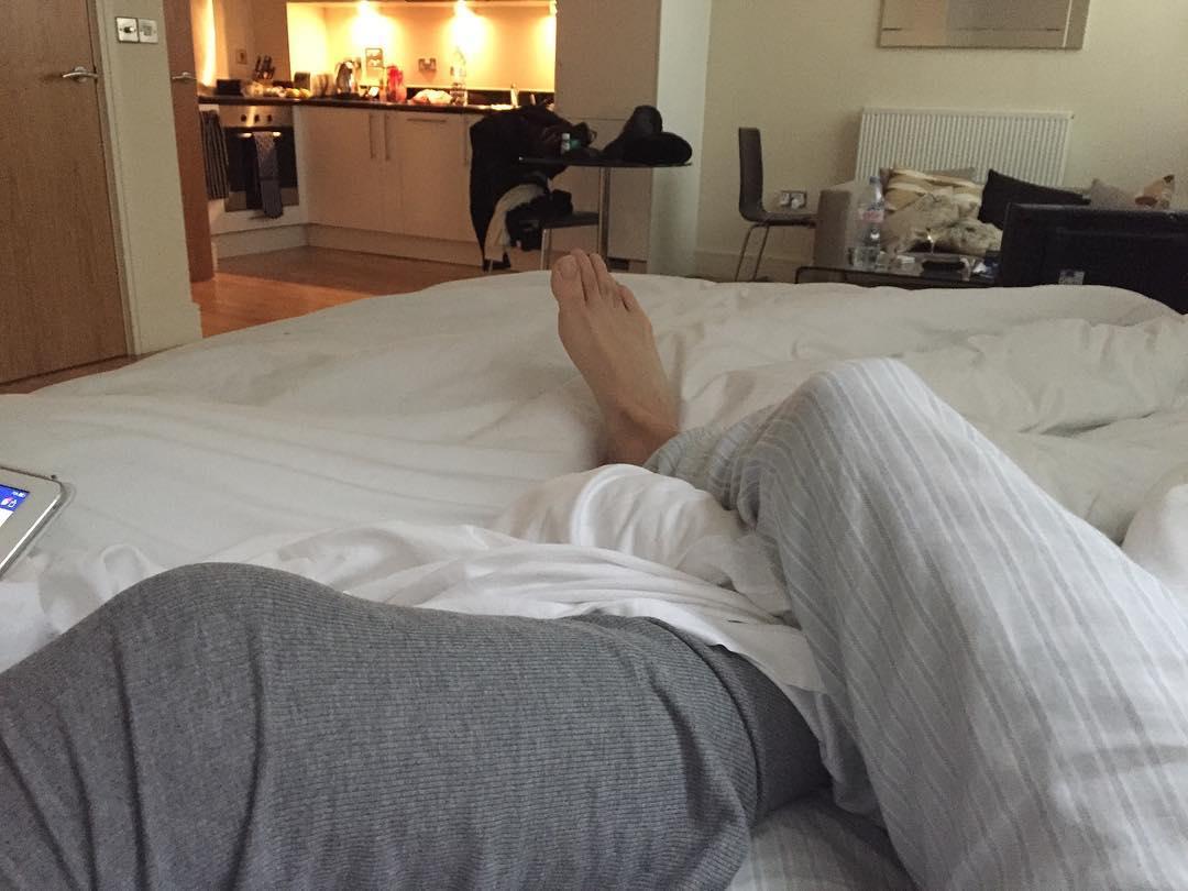 hoy nos quedamos acastillados embarcados en la cama ya tendremoshellip
